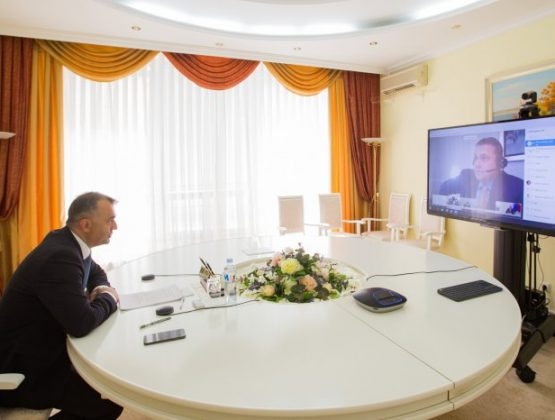 Правительство продолжает переговоры с командой МВФ