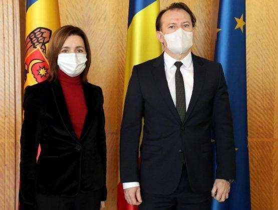 Майя Санду обсудила с премьером Румынии поставку в Молдову вакцины против Covid-19