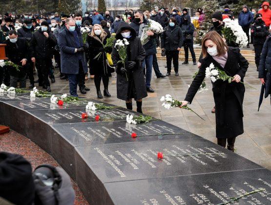 Молдавское руководство почтило память погибших на войне в Афганистане