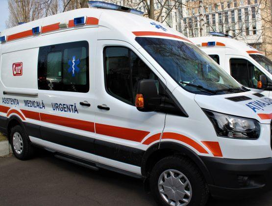 Новые машины скорой помощи получили 16 подстанций в стране, в том числе и в Кагуле