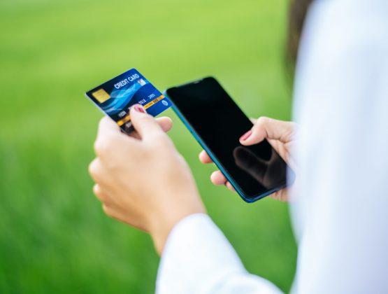 Банки Молдовы предупреждают: появился новый вид мошенничества с банковскими картами