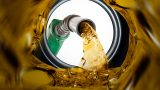 В Молдове снова подорожало топливо, бензина стоит почти 20 леев