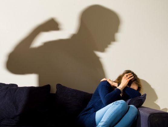 В Молдове во время пандемии выросло число случаев домашнего насилия: «Жертва всё время была в поле зрения агрессора»