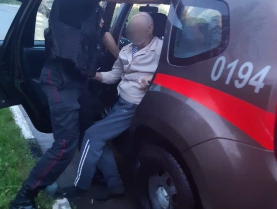 Карабинеры из Кагула оказали помощь мужчине потерявшего сознание на улице