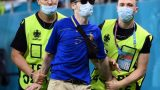Минута славы футбольного болельщика в футболке молдавской сборной