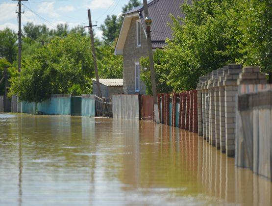 Неустойчивая погода и дождевые паводки