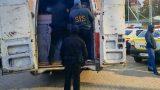 В Кагуле остановили микроавтобус с грузом контрабандных сигарет. Задержаны шесть человек /ФОТО