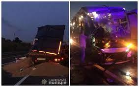 Пассажирский автобус из Молдовы попал в ДТП на территории Украины